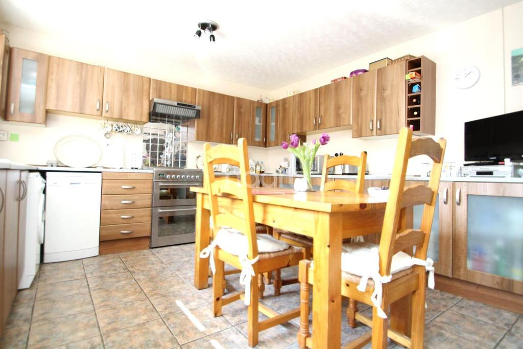 4 Bedrooms Bungalow for sale in Private Lane, Normanby by Spital