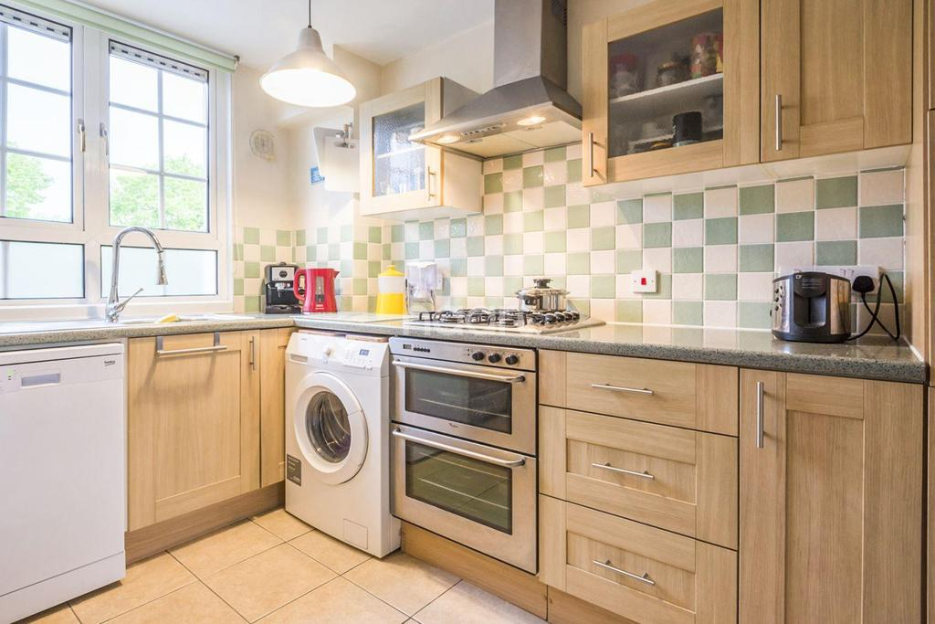 3 Bedrooms Maisonette Flat for sale in Haldens