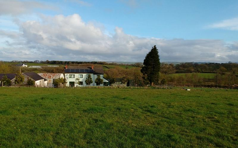 6 Bedrooms Land Commercial for sale in Llwynhaf (17 acres) , Llanddarog Road, Carmarthen, Carmarthenshire. SA32 8AR