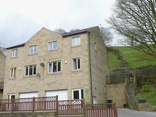 3 Bedrooms Semi Detached House for sale in Bacup Road Calderdale