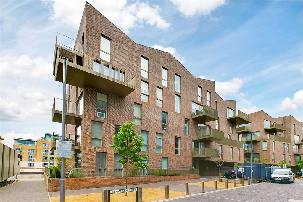 1 Bedroom Flat for sale in Halyards Court, Durham Wharf Drive, Brentford, Middlesex