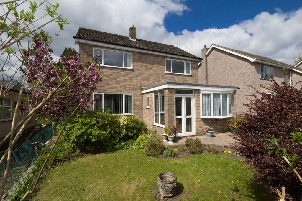 3 Bedrooms Detached House for sale in Whinfield Road, Ulverston