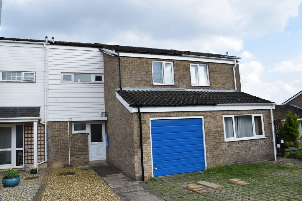 3 Bedrooms Terraced House for sale in Harriet Martineau Close, Thetford
