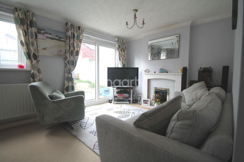 3 Bedrooms Terraced House for sale in Douglass Road