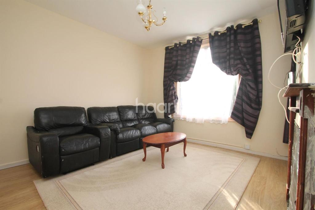 4 Bedrooms End Of Terrace House for sale in Lincoln Road, Peterborough