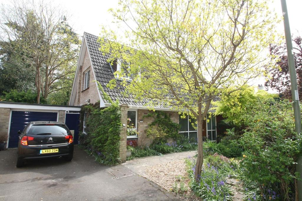 4 Bedrooms Detached House for sale in Church Avenue