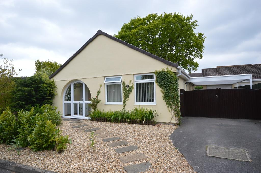 3 Bedrooms Detached Bungalow for sale in Whitley Way, New Milton