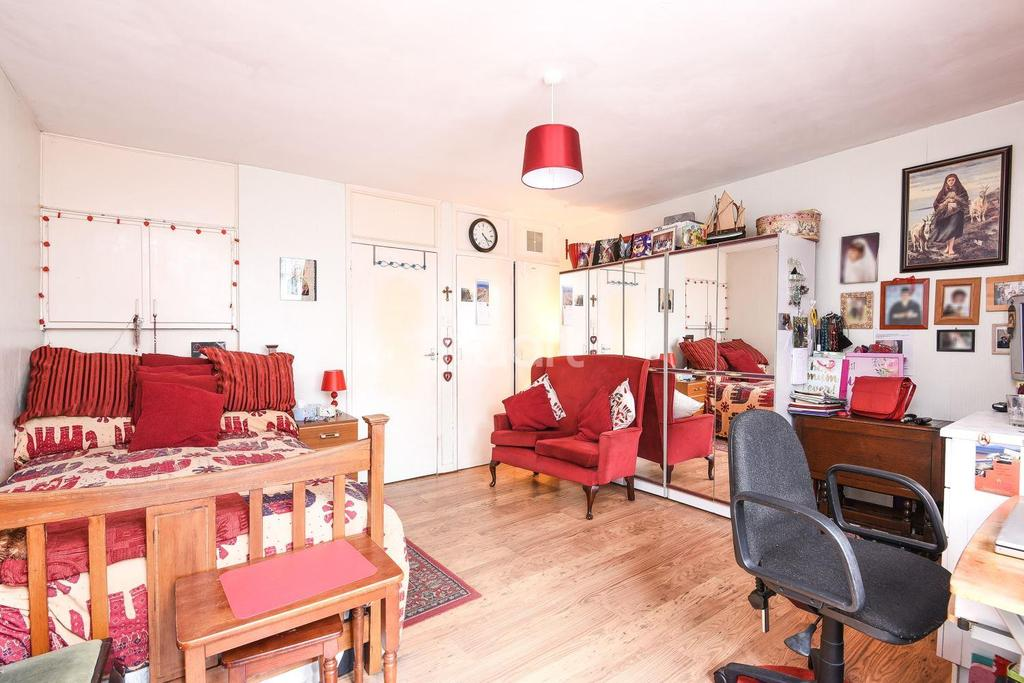 Studio Flat for sale in Barrington Road, Brixton, SW9