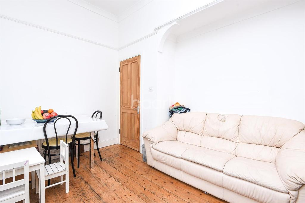 1 Bedroom Flat for sale in Buckleigh Road, Streatham, SW16