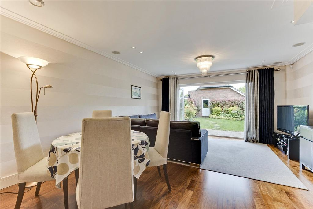 3 Bedrooms End Of Terrace House for sale in Oatlands Avenue, Weybridge, Surrey, KT13