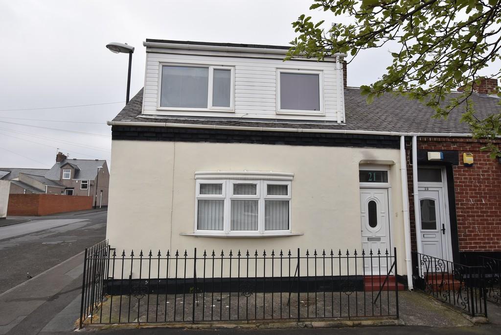 2 Bedrooms Flat for sale in Hartington Street, Roker
