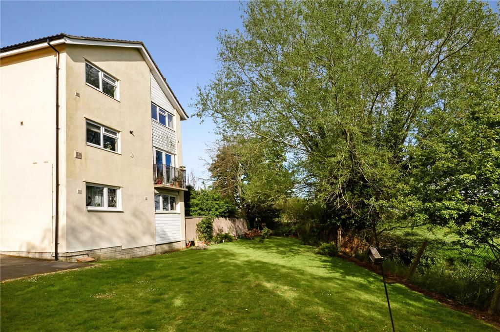 3 Bedrooms Apartment Flat for sale in Lyster Close, Ilchester, Yeovil, Somerset, BA22