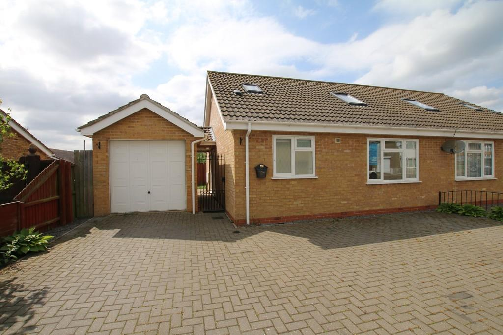 2 Bedrooms Chalet House for sale in Green Park, Chatteris