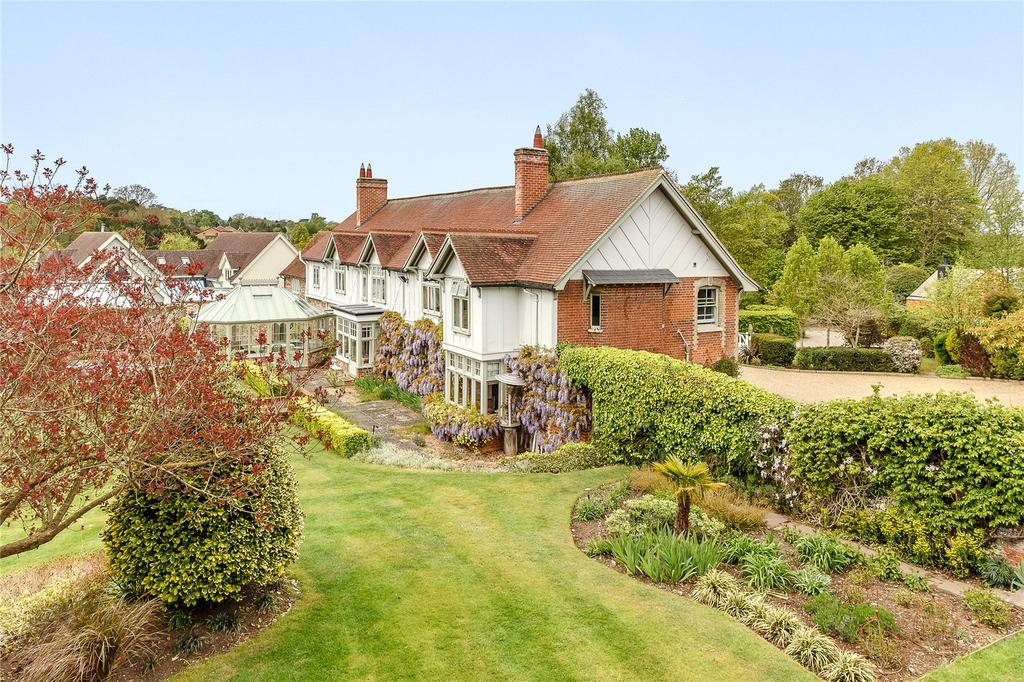 Garden Centre: Hardwick Lane, Bury St. Edmunds, Suffolk 4 Bed House For