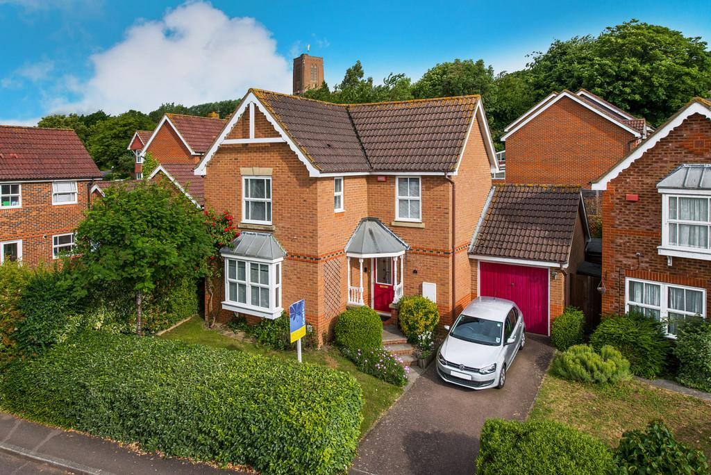 3 Bedrooms Detached House for sale in Scholars Walk, Guildford