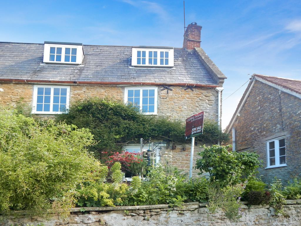3 Bedrooms Semi Detached House for sale in Pitcombe, Bruton