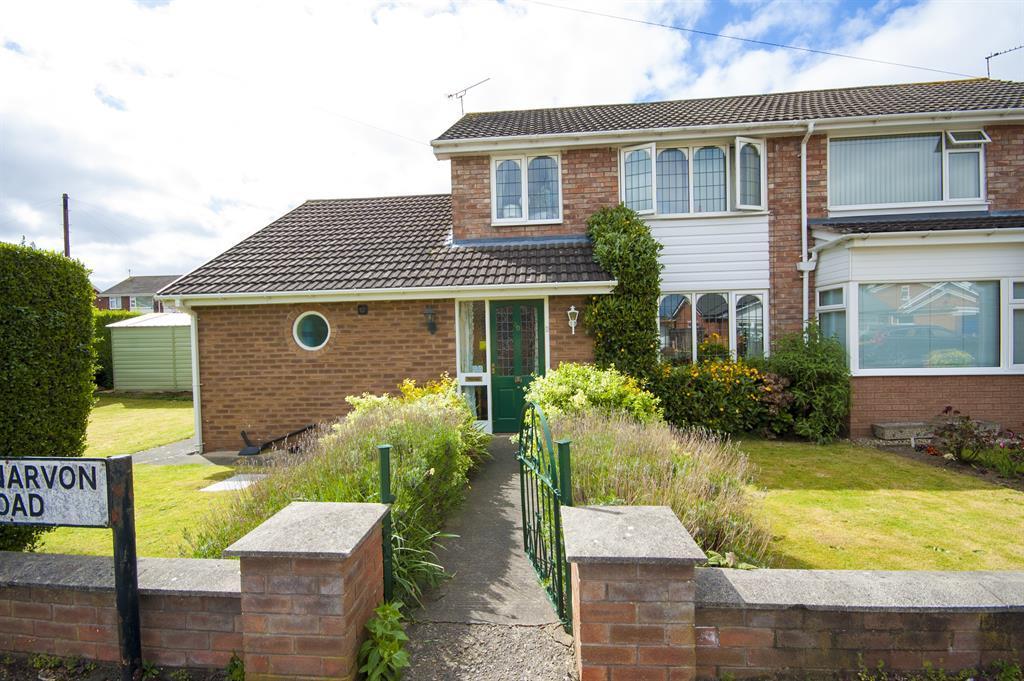 3 Bedrooms Detached House for sale in Caernarvon Road, Wrexham, LL12 7TT
