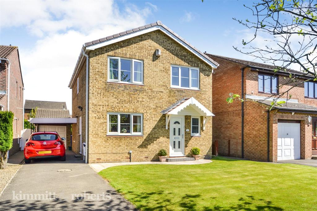4 Bedrooms Detached House for sale in Berwick Chase, Oakerside, Peterlee, Co.Durham, SR8