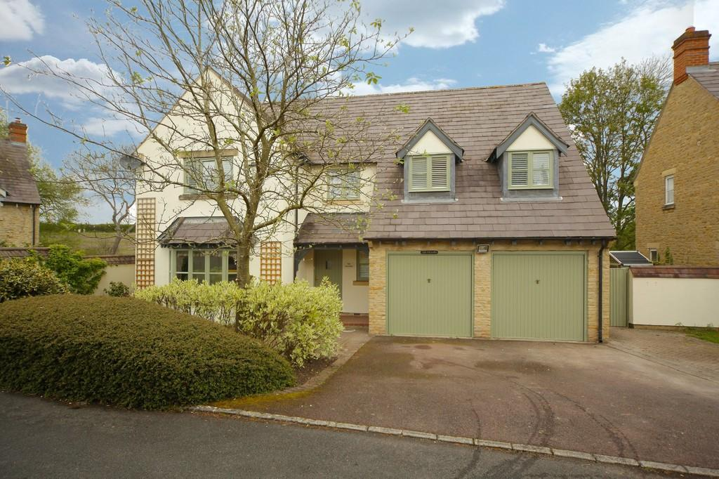 4 Bedrooms Detached House for sale in The Willows, Tredington
