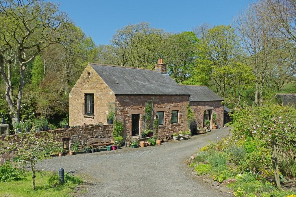 4 Bedrooms Barn Conversion Character Property for sale in Carwinley Watermill