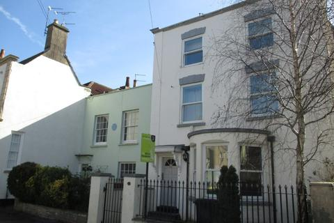 5 bedroom terraced house to rent - Stapleton, Park Road, BS16 1AU