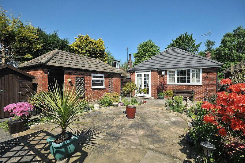 2 Bedrooms Bungalow for sale in Hollytree Road, Plumley