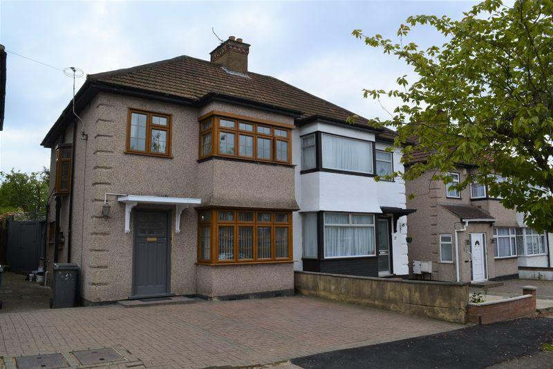 3 Bedrooms Semi Detached House for sale in Orchard Crescent, Edgware