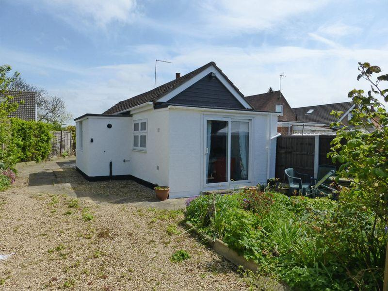1 Bedroom Detached Bungalow for sale in Eye Road, Peterborough