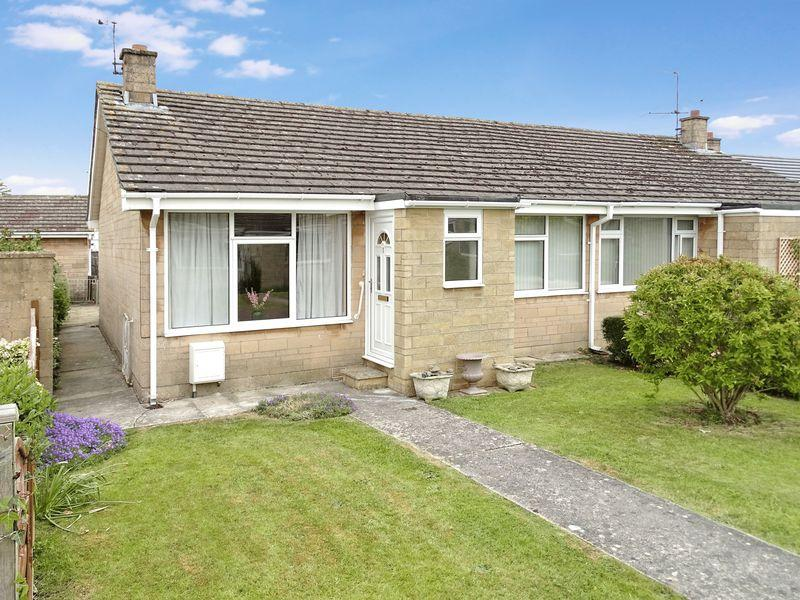 2 Bedrooms Semi Detached Bungalow for sale in Sherwood Walk, Melksham