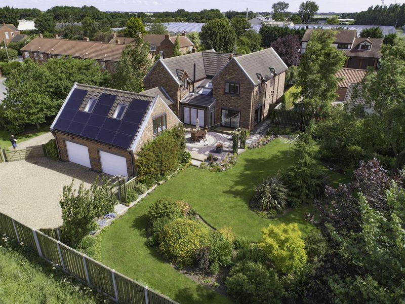 4 Bedrooms Detached House for sale in Main Street, Burstwick