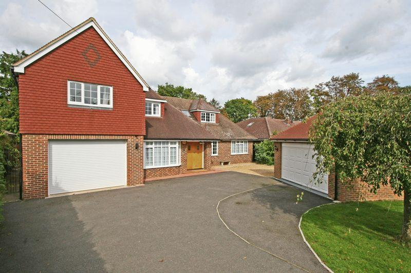6 Bedrooms Detached House for sale in Scotlands Drive, Farnham Common, Buckinghamshire