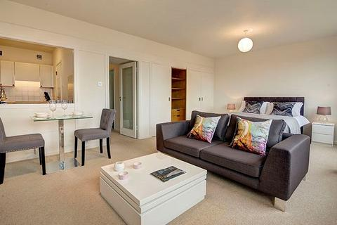 Studio to rent - Luke House, SW1