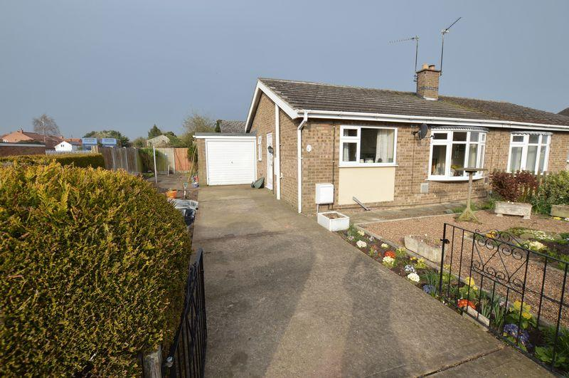 2 Bedrooms Semi Detached Bungalow for sale in 21 Canberra Close, Coningsby