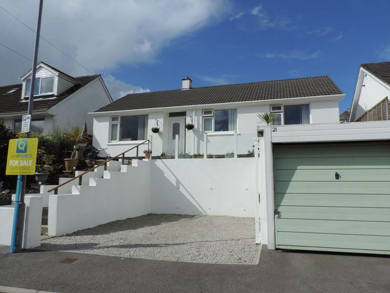 3 Bedrooms Detached Bungalow for sale in Higher Redannick, Truro