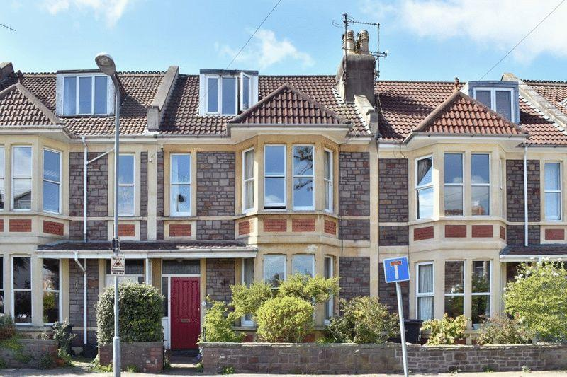 5 Bedrooms Terraced House for sale in St Helena Road, Westbury Park