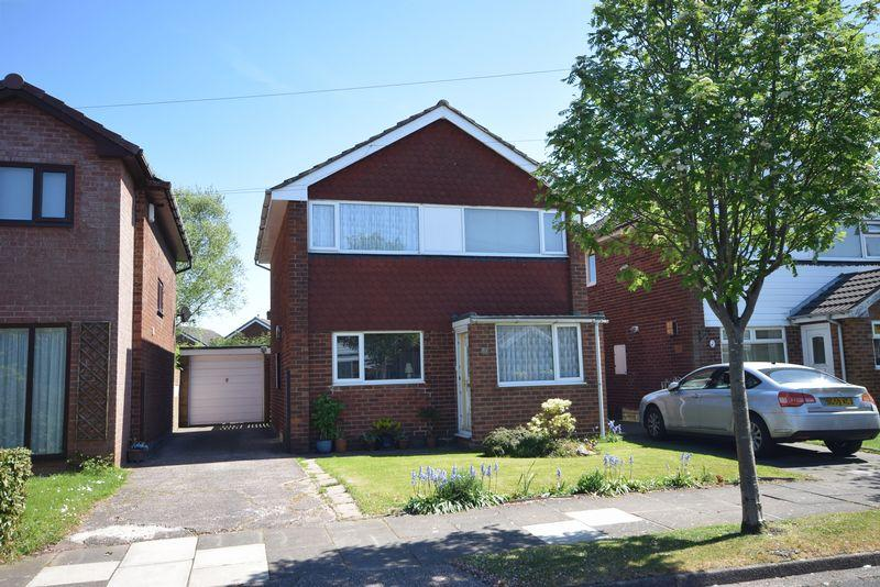 3 Bedrooms Detached House for sale in Churchfields, Widnes