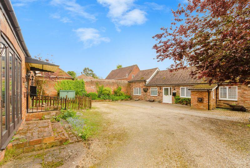 4 Bedrooms Cottage House for sale in Stone Lane, Spilsby