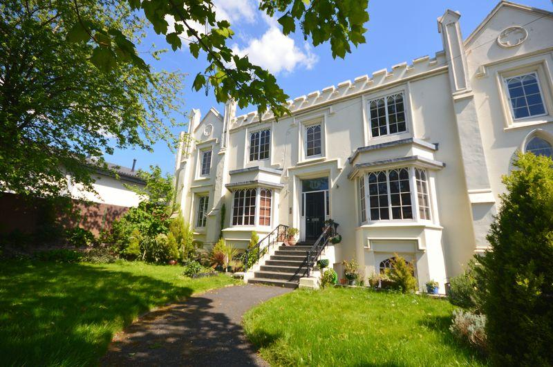 2 Bedrooms Apartment Flat for sale in Deane Road, Liverpool