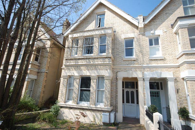 1 Bedroom Flat for sale in Rutland Gardens, Hove