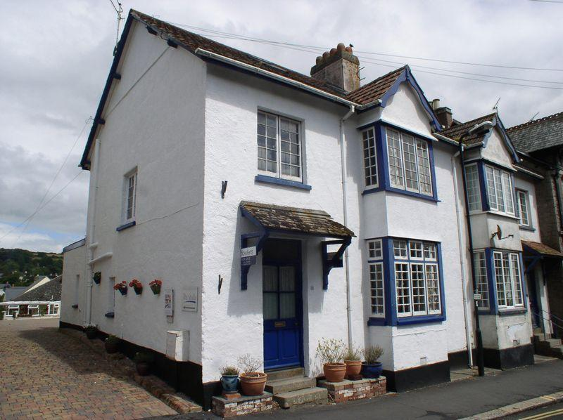 4 Bedrooms Terraced House for sale in Court Street, Moretonhampstead