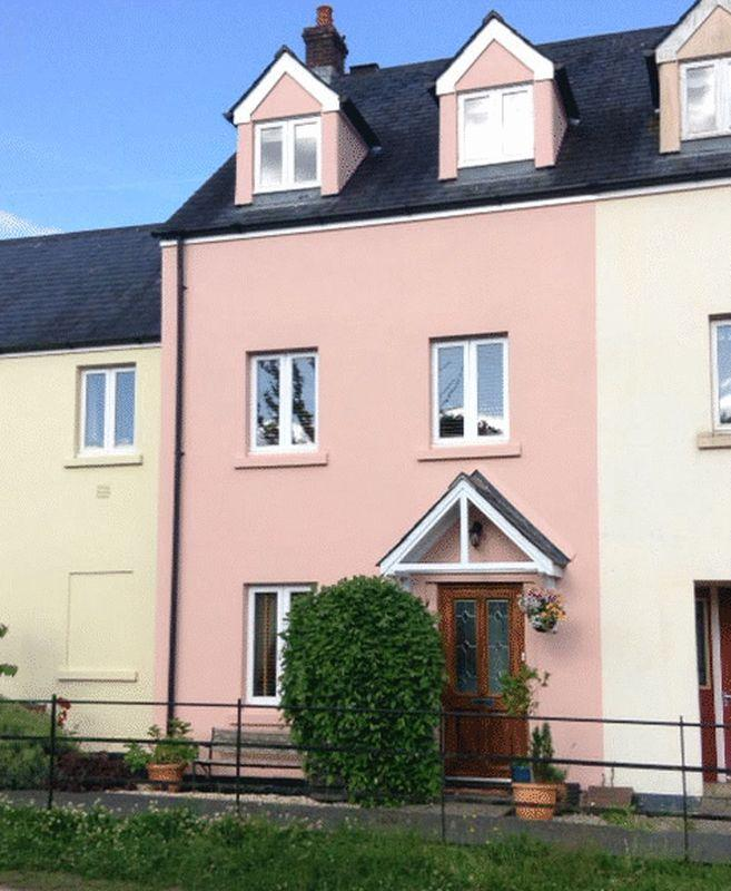 4 Bedrooms Terraced House for sale in 12 Betton Way, Moretonhampstead