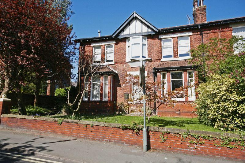 4 Bedrooms Semi Detached House for sale in Breck Road, Poulton-Le-Fylde