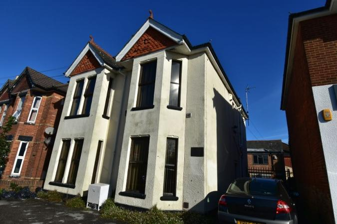 4 Bedrooms Detached House for sale in Alma Road, Bournemouth