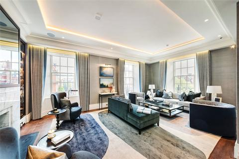 3 bedroom flat to rent - Carlos Place, London, W1K