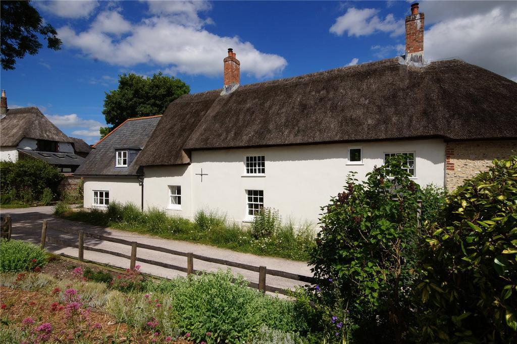 4 Bedrooms Detached House for sale in Piddletrenthide, Dorchester, Dorset, DT2