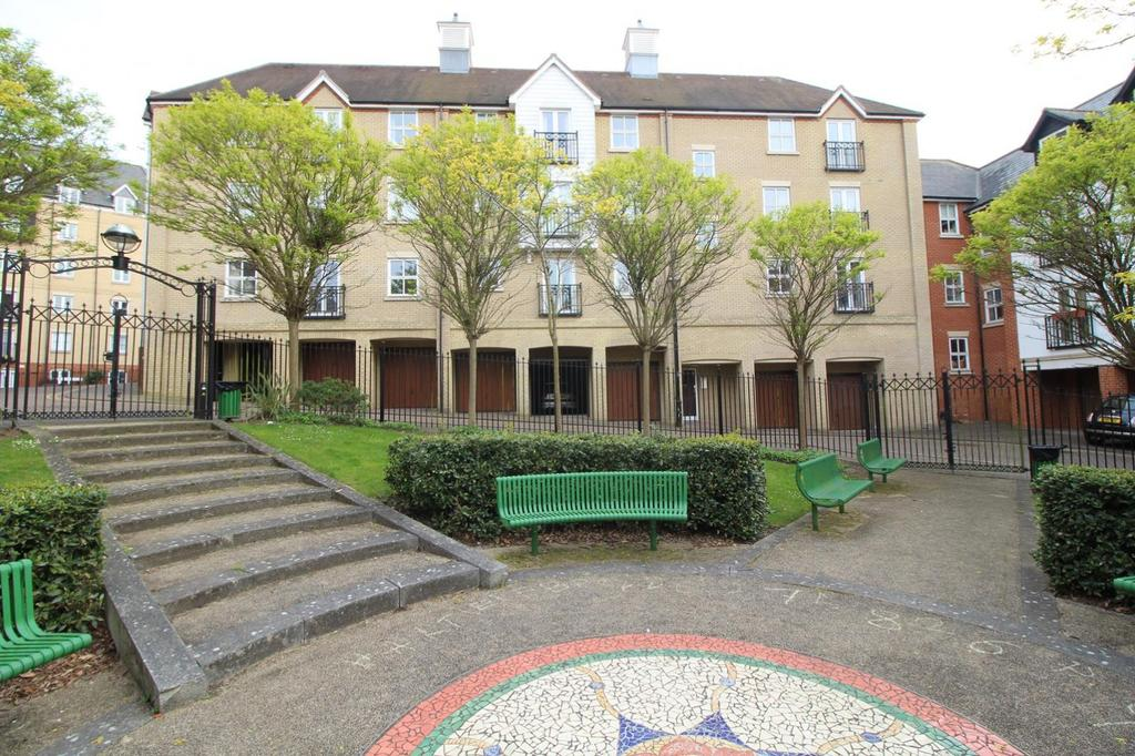 2 Bedrooms Ground Flat for sale in Henry Laver Court, Colchester, Essex, CO3
