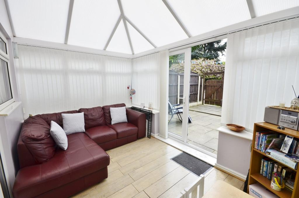 3 Bedrooms End Of Terrace House for sale in Virginia Close, Baguley