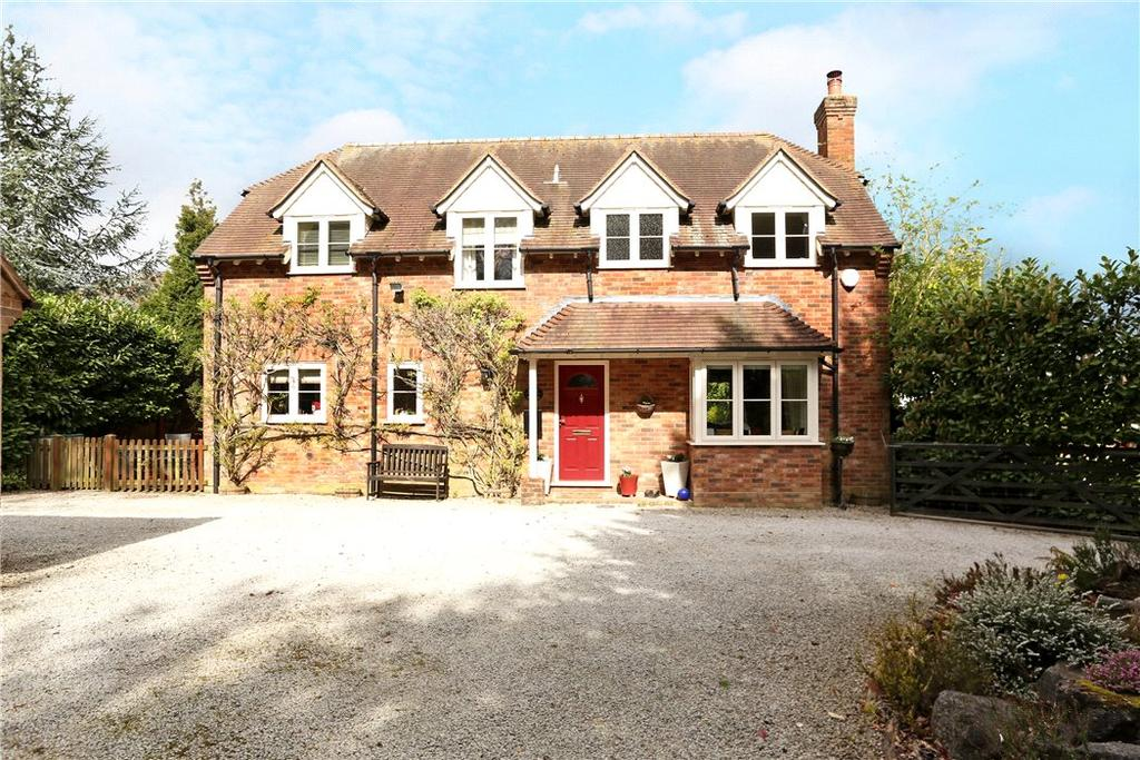 4 Bedrooms Detached House for sale in Vyne Road, Sherborne St. John, Basingstoke, Hampshire, RG24