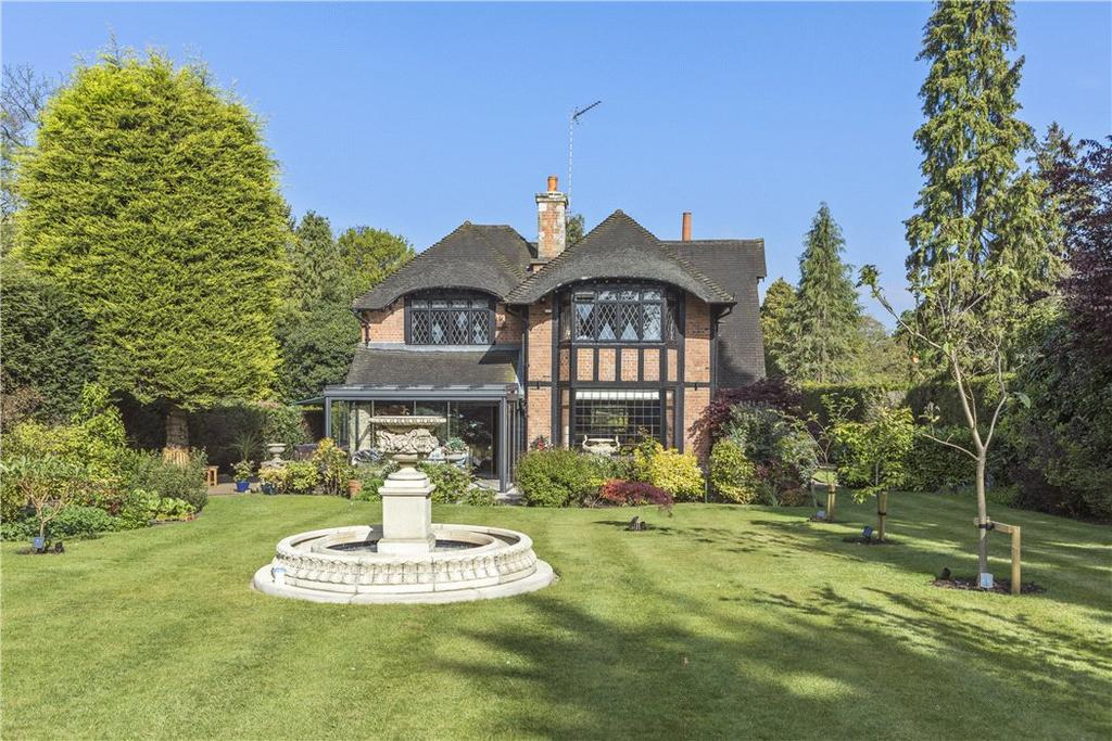 4 Bedrooms Detached House for sale in Silverdale Avenue, Walton-on-Thames, Surrey, KT12