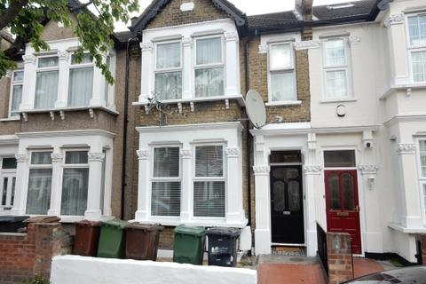 2 bedroom flat to rent - Essex Road, Leyton E10